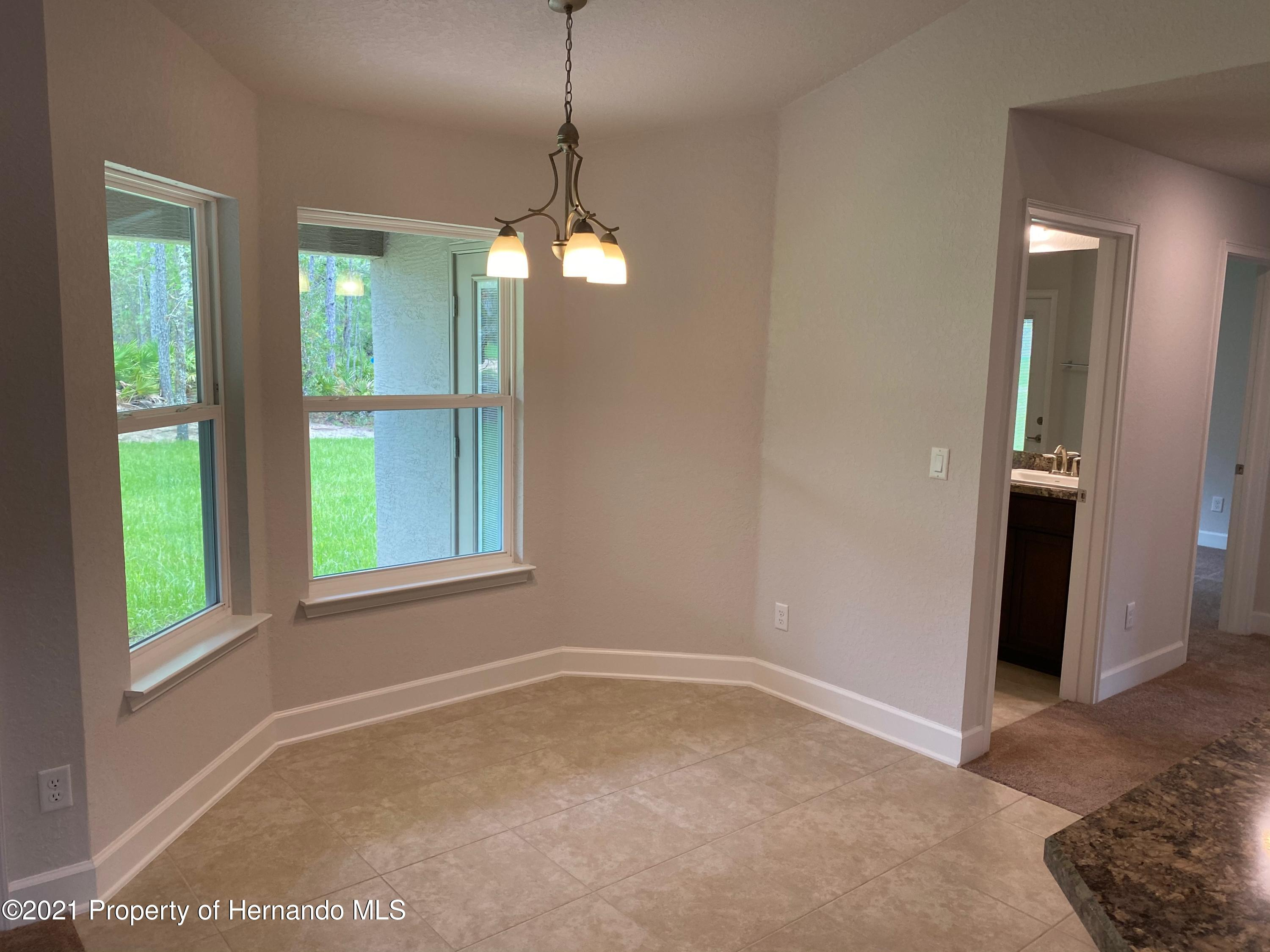 Listing photo id 6 for 145 Linder Drive