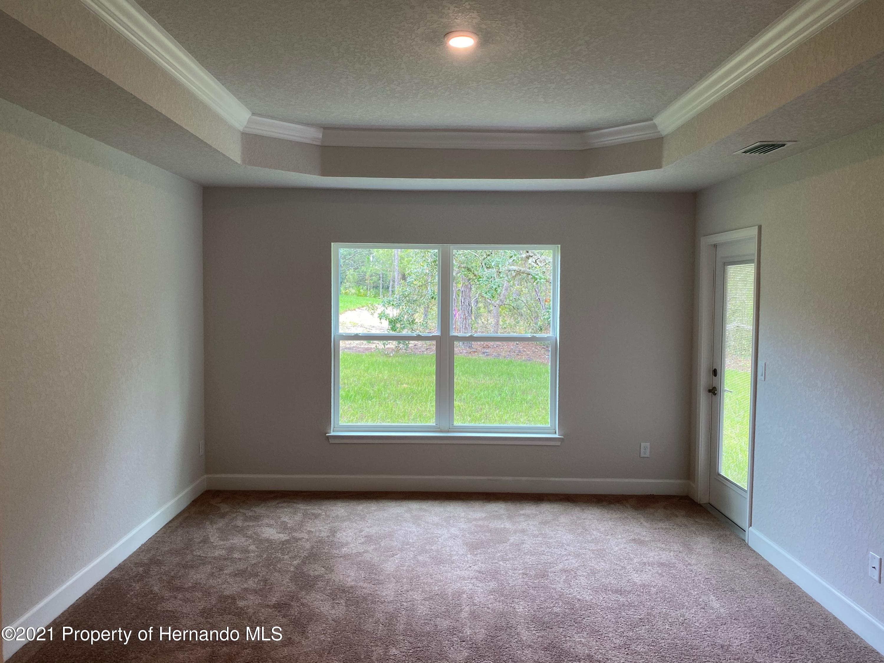 Listing photo id 7 for 145 Linder Drive