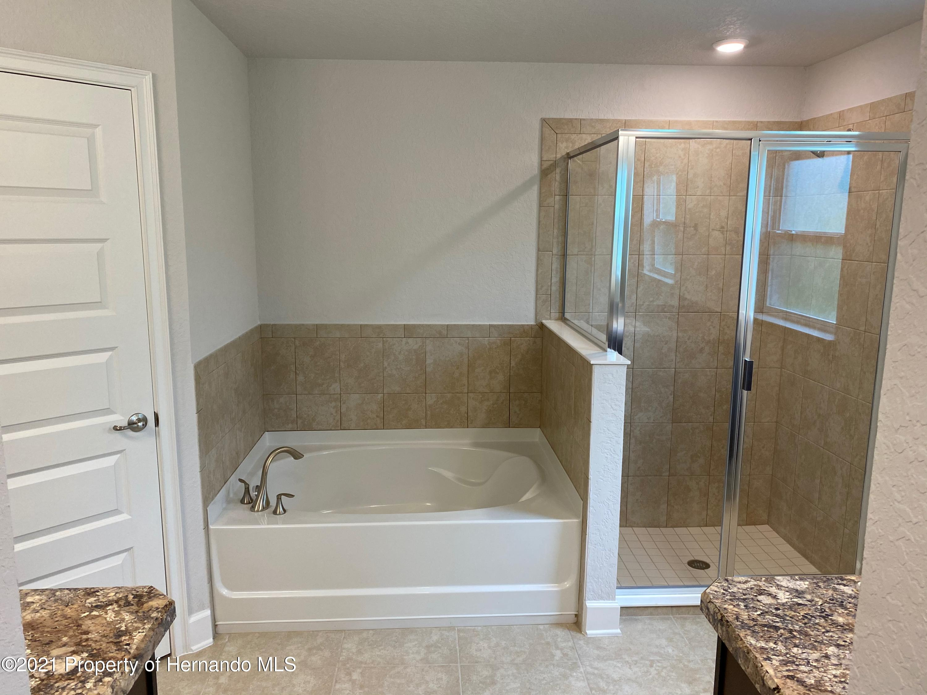 Listing photo id 8 for 145 Linder Drive