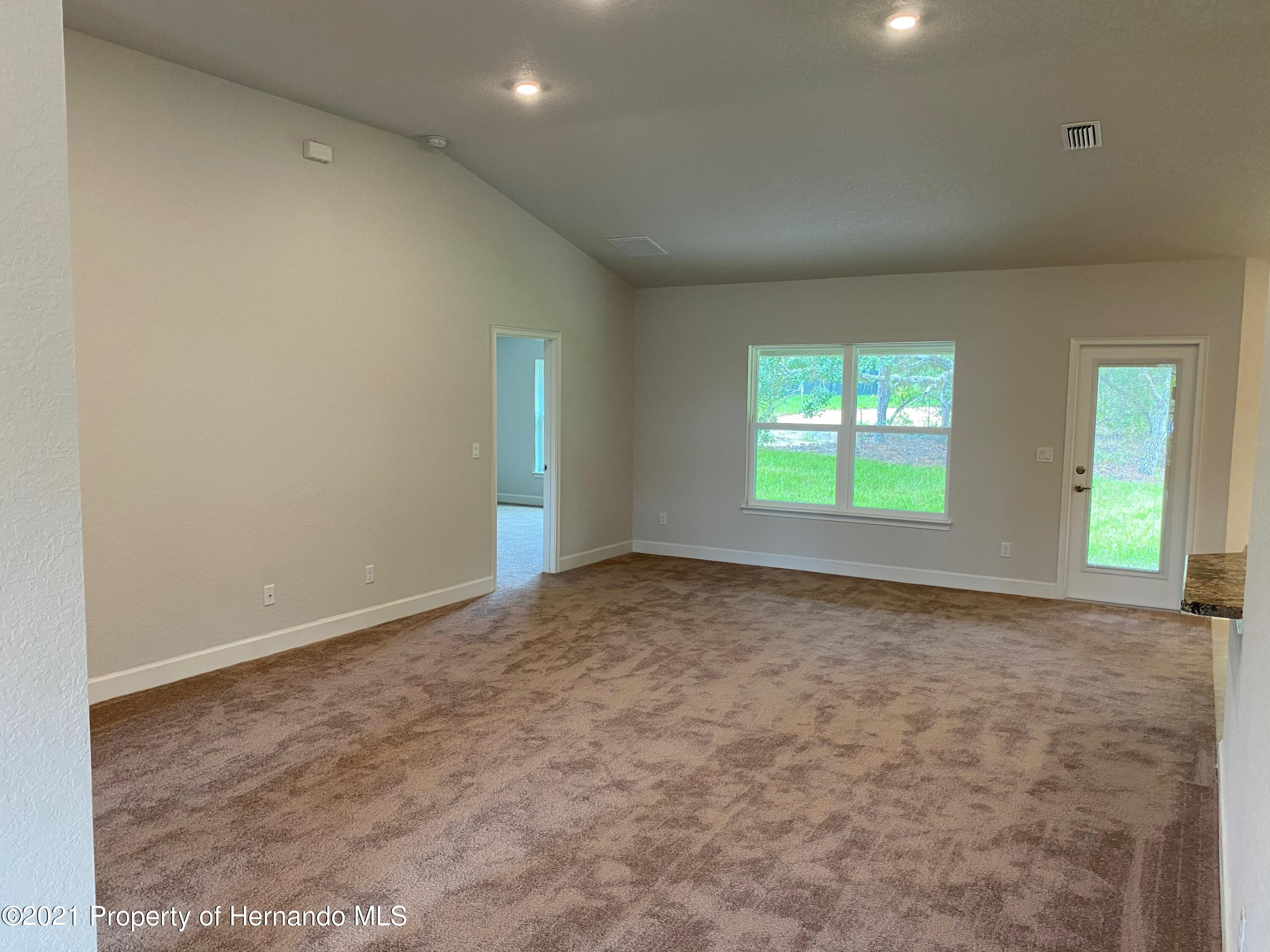 Listing photo id 11 for 145 Linder Drive