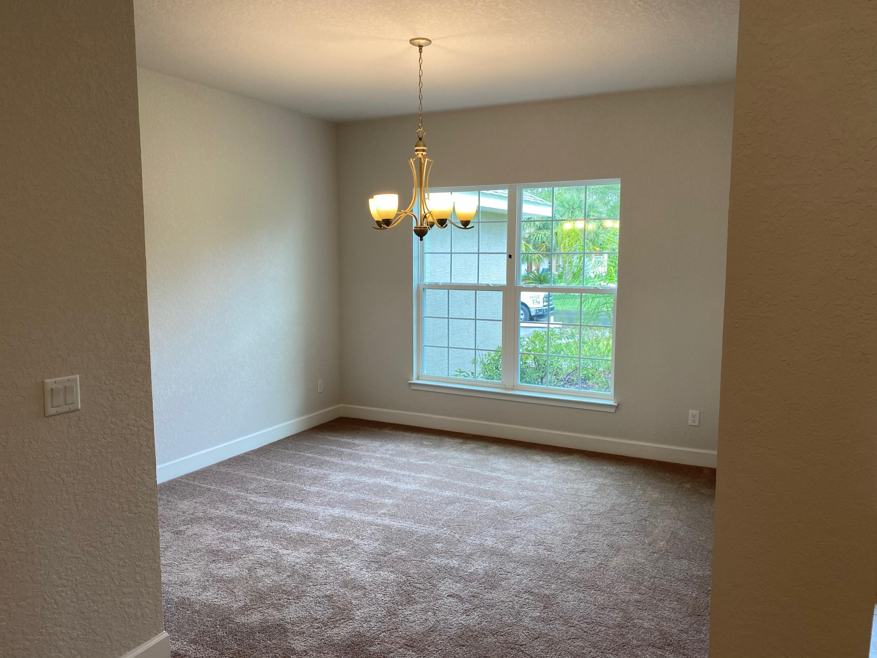 Listing photo id 12 for 145 Linder Drive
