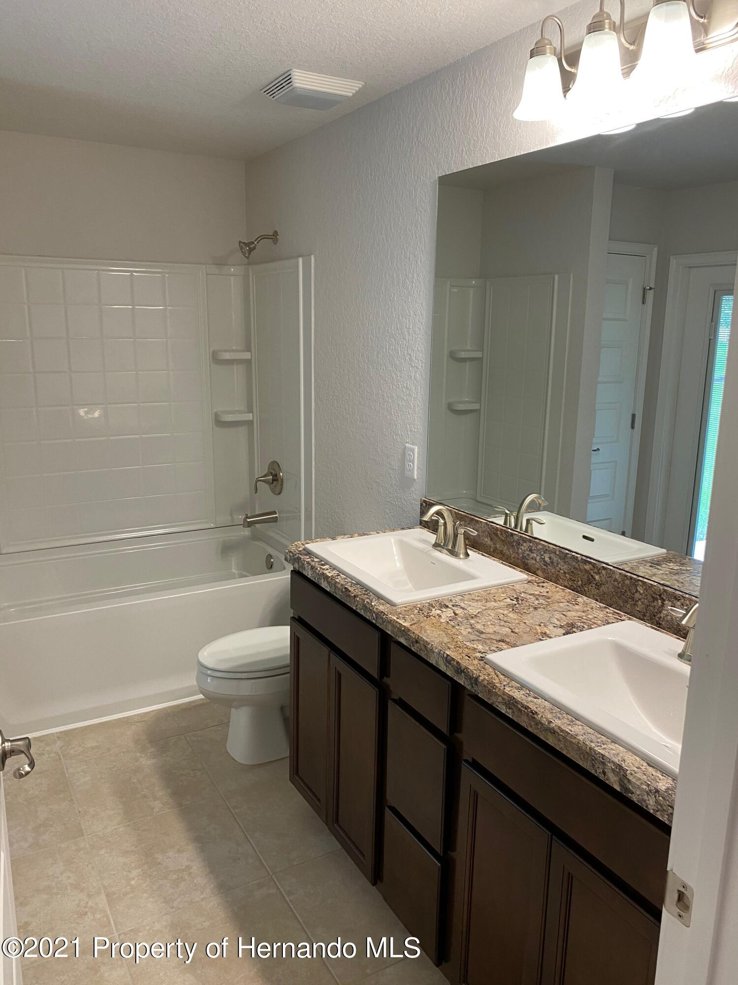 Listing photo id 16 for 145 Linder Drive