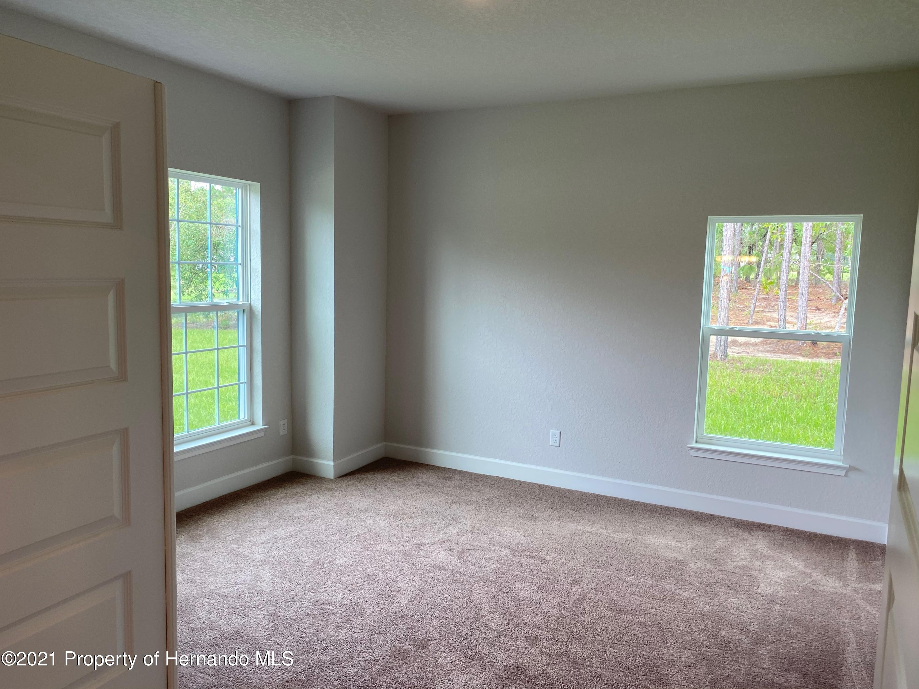 Listing photo id 17 for 145 Linder Drive