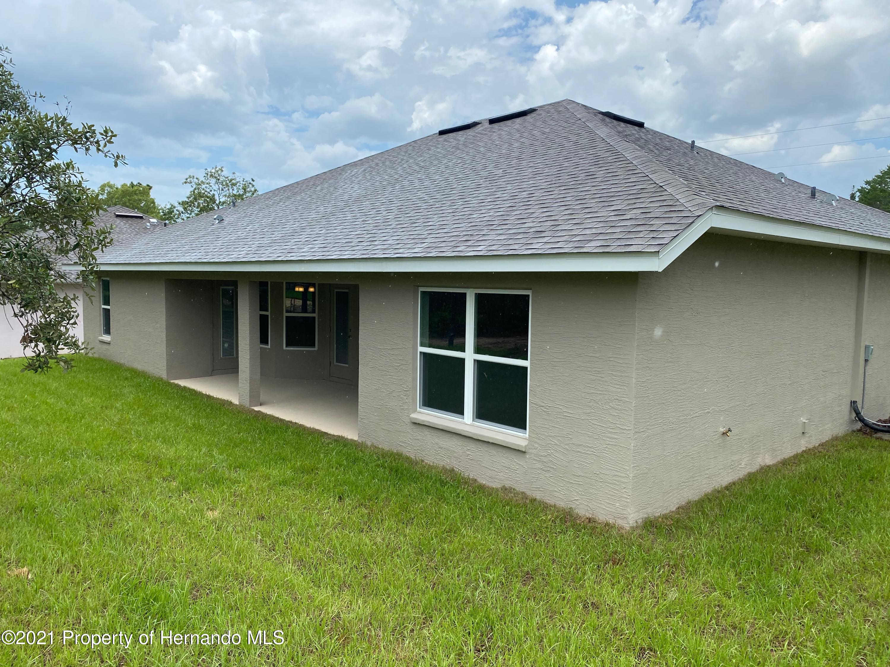 Listing photo id 18 for 145 Linder Drive