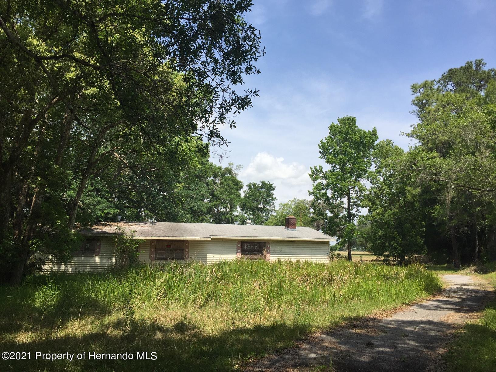 Listing photo id 6 for 6071 Broad Street