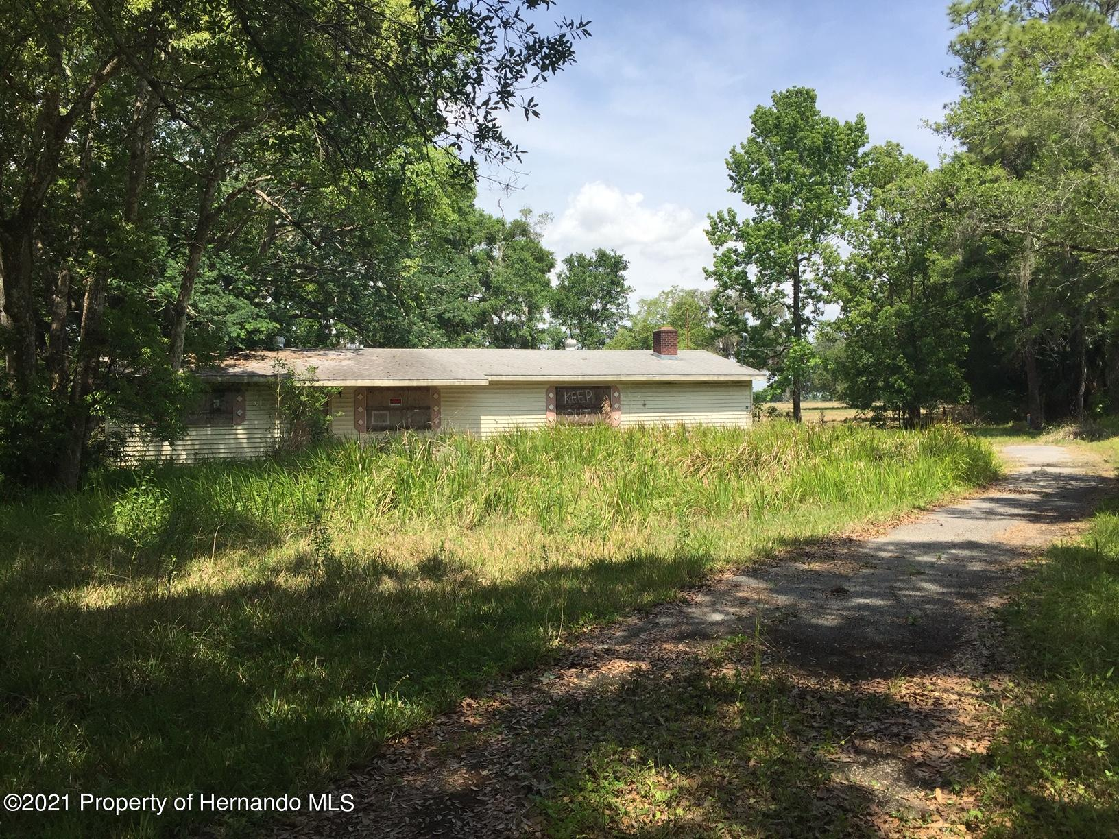 Listing photo id 7 for 6071 Broad Street