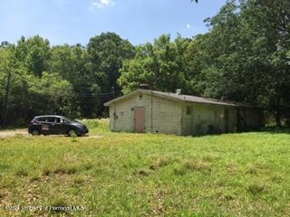 Listing photo id 8 for 6071 Broad Street