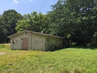 Listing photo id 9 for 6071 Broad Street