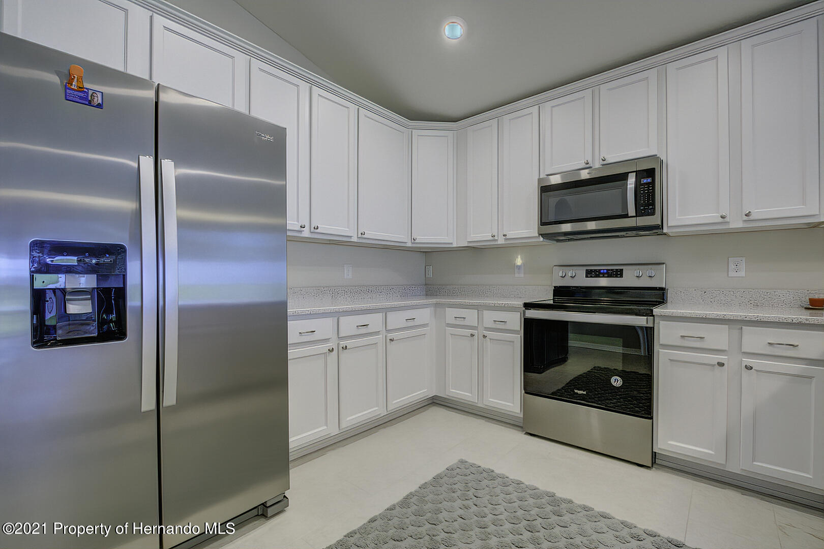 Listing photo id 11 for 842 Old Windsor Way