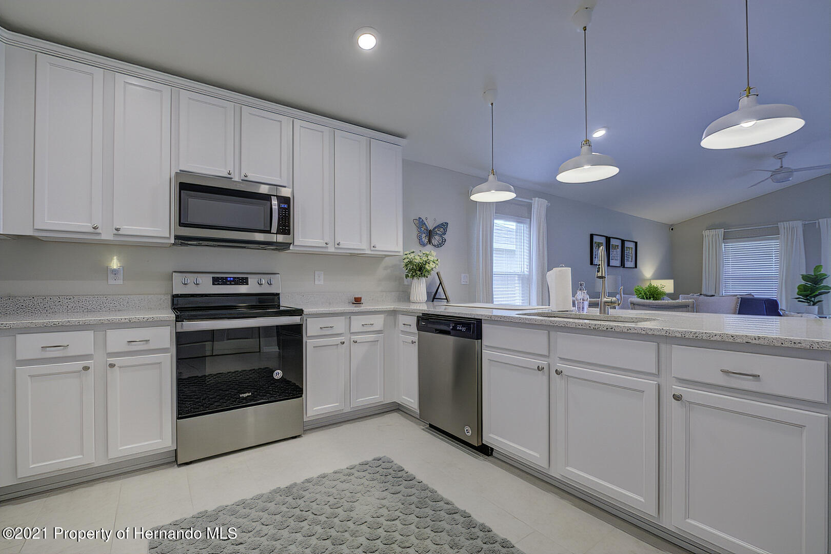 Listing photo id 12 for 842 Old Windsor Way