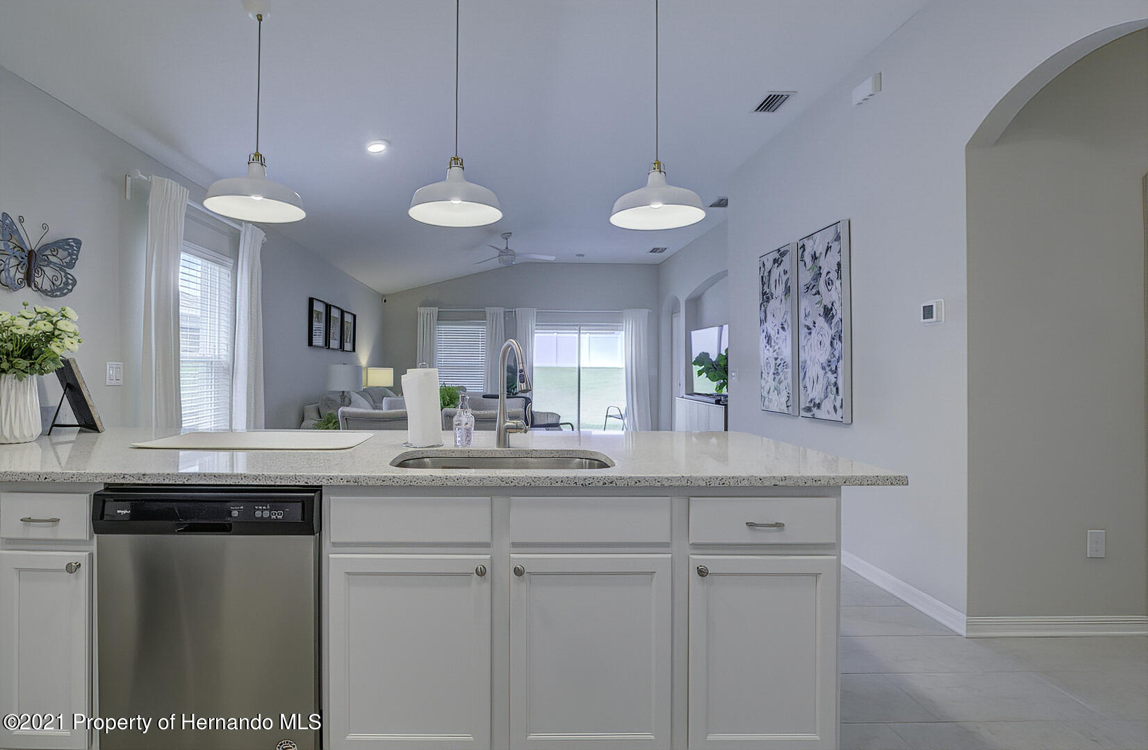 Listing photo id 13 for 842 Old Windsor Way