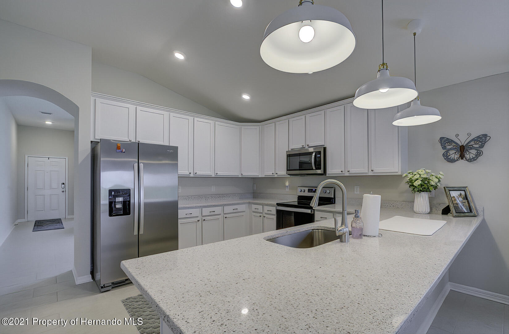 Listing photo id 10 for 842 Old Windsor Way