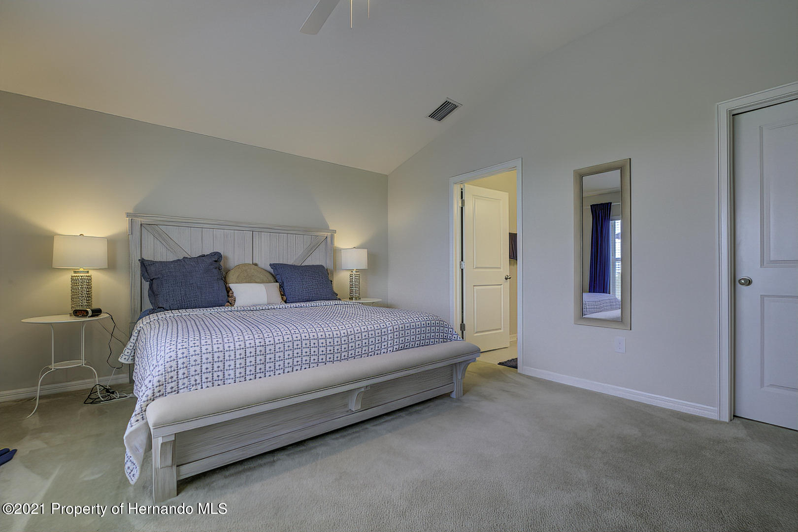 Listing photo id 21 for 842 Old Windsor Way