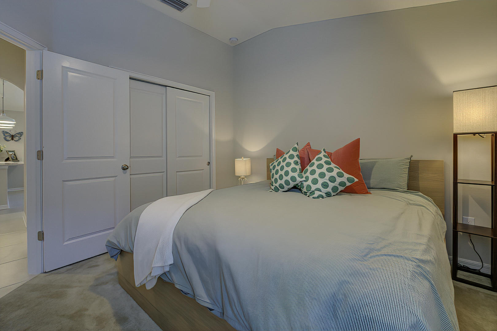 Listing photo id 27 for 842 Old Windsor Way