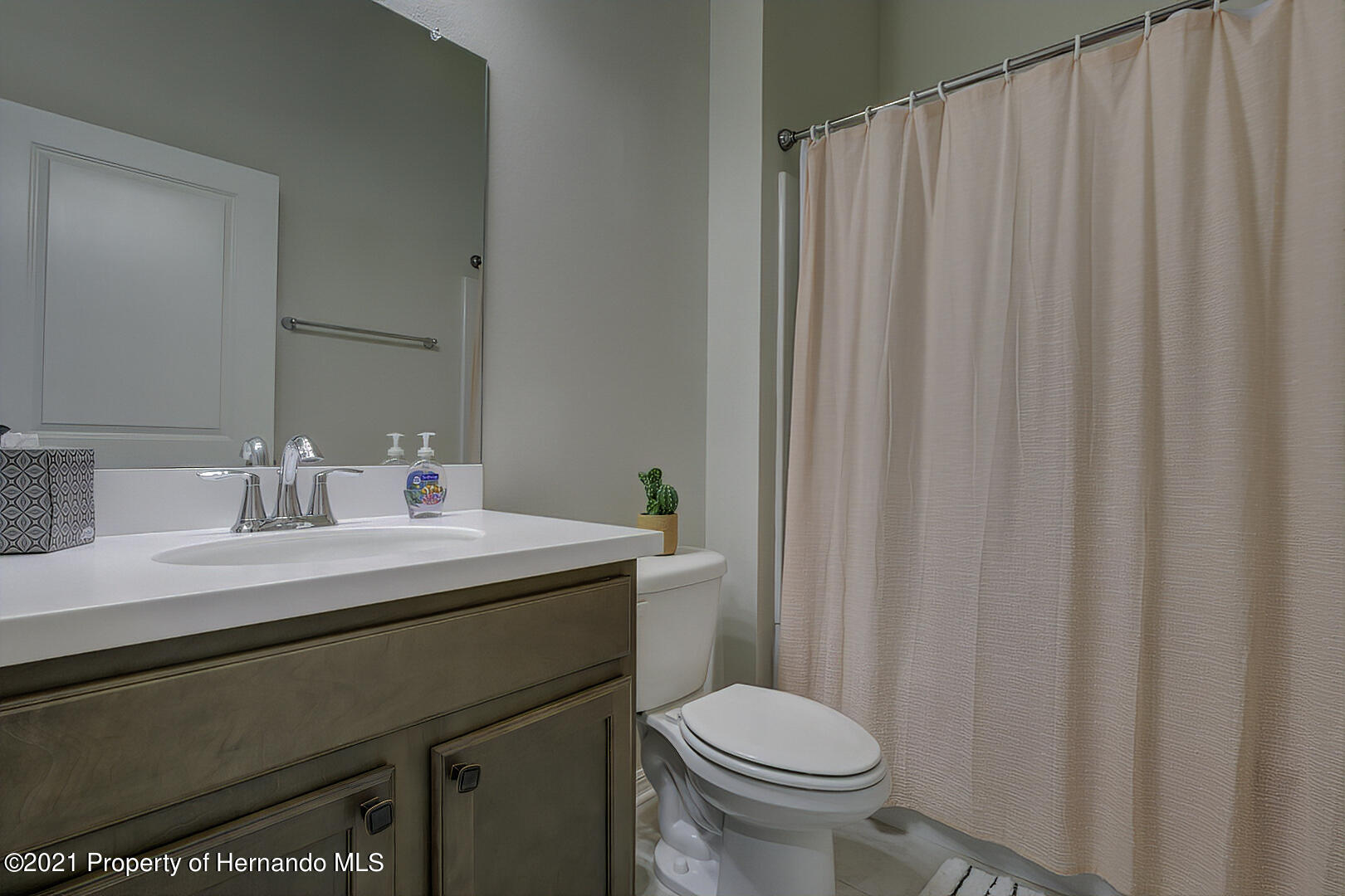Listing photo id 29 for 842 Old Windsor Way