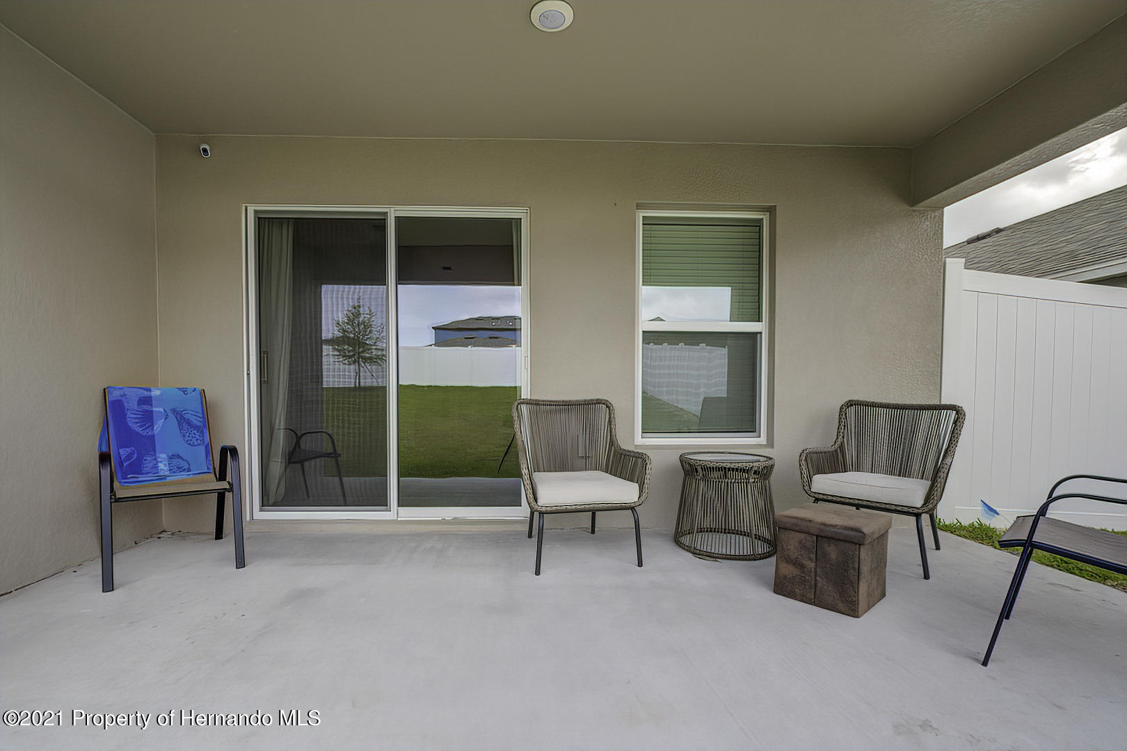 Listing photo id 32 for 842 Old Windsor Way
