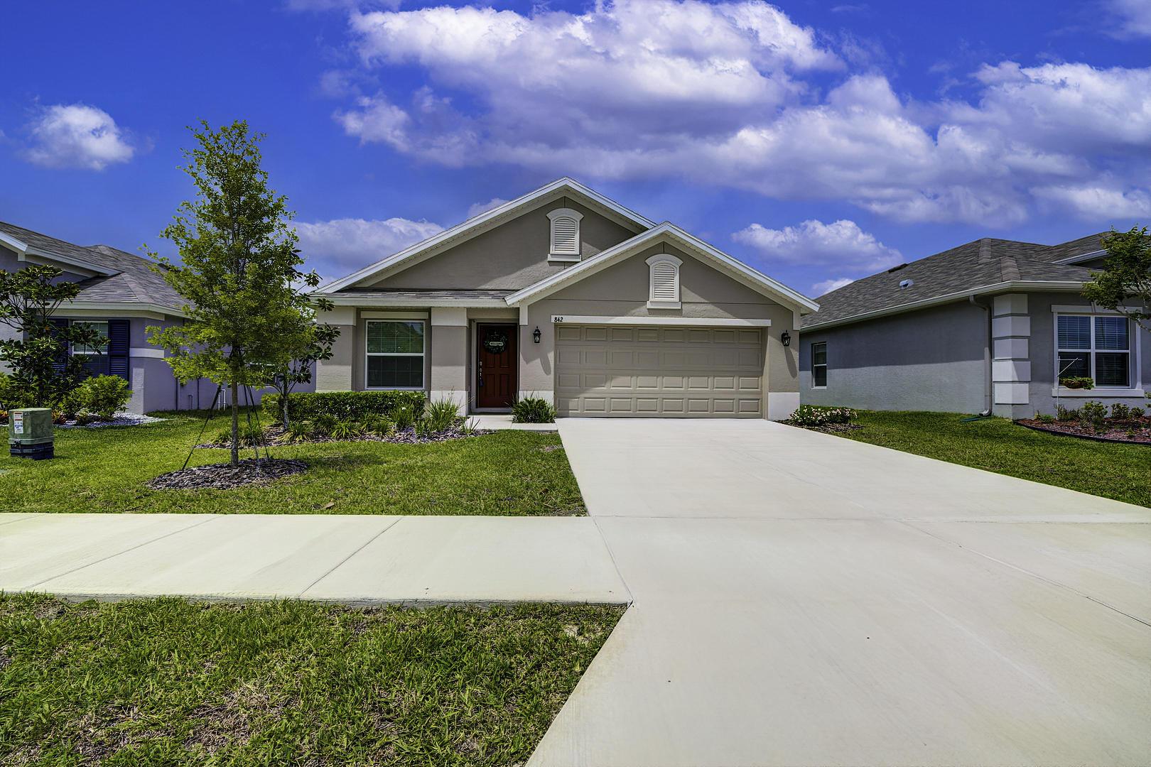 Listing photo id 6 for 842 Old Windsor Way