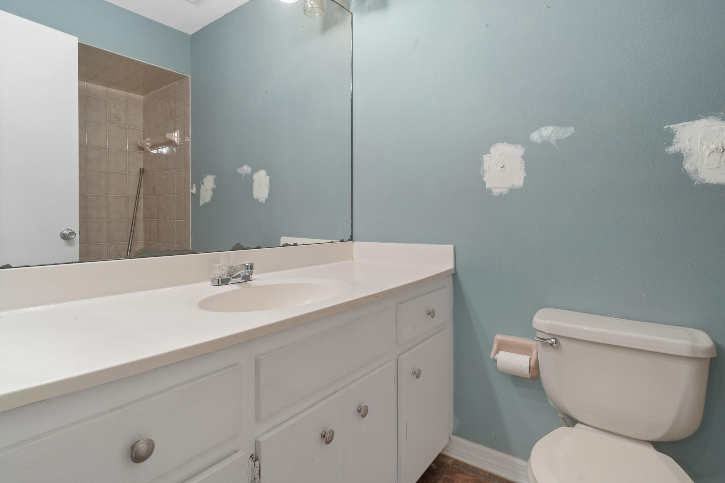 Listing photo id 25 for 8818 Filly Point