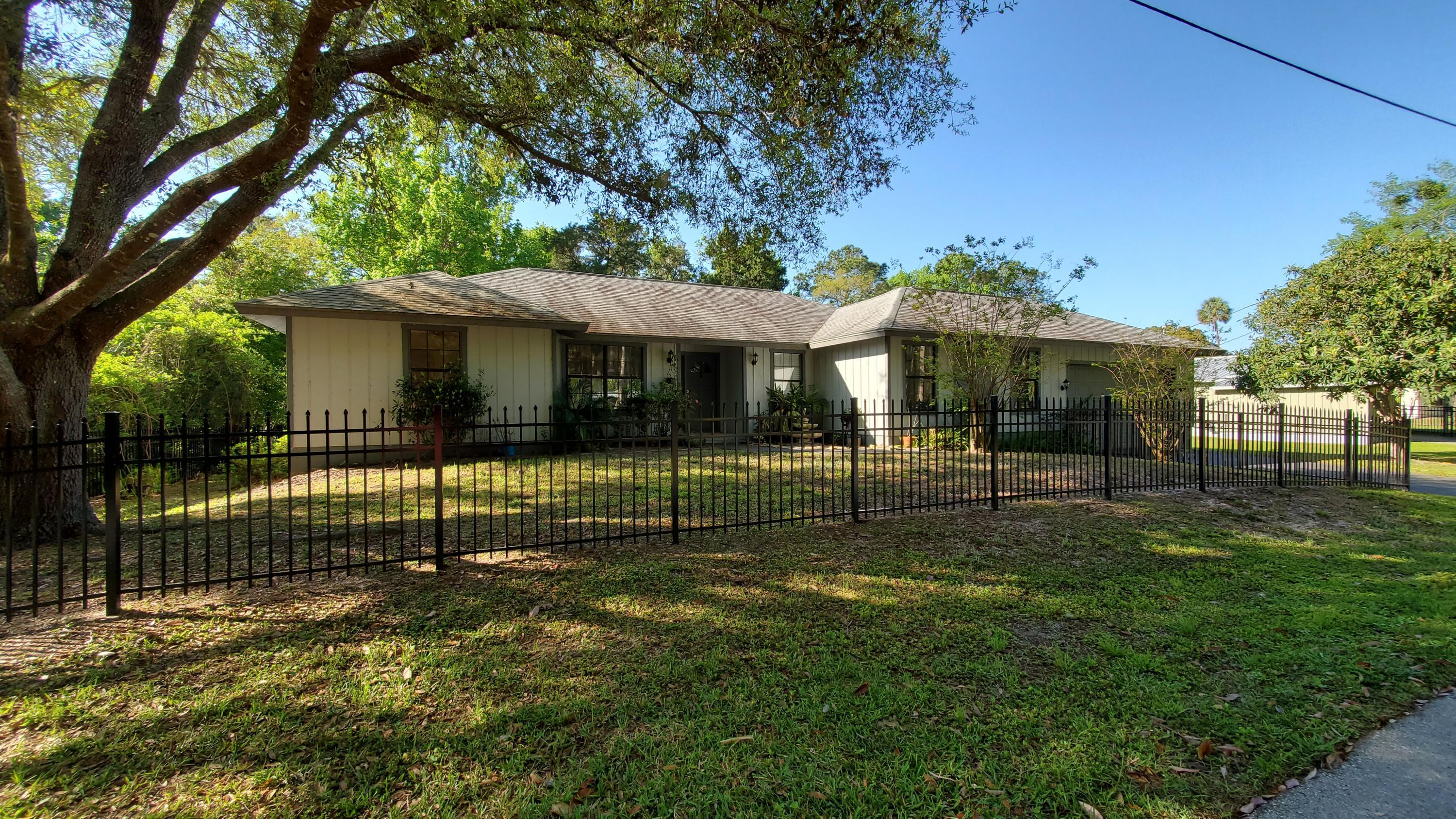 Listing photo id 1 for 10046 S Riviera Point