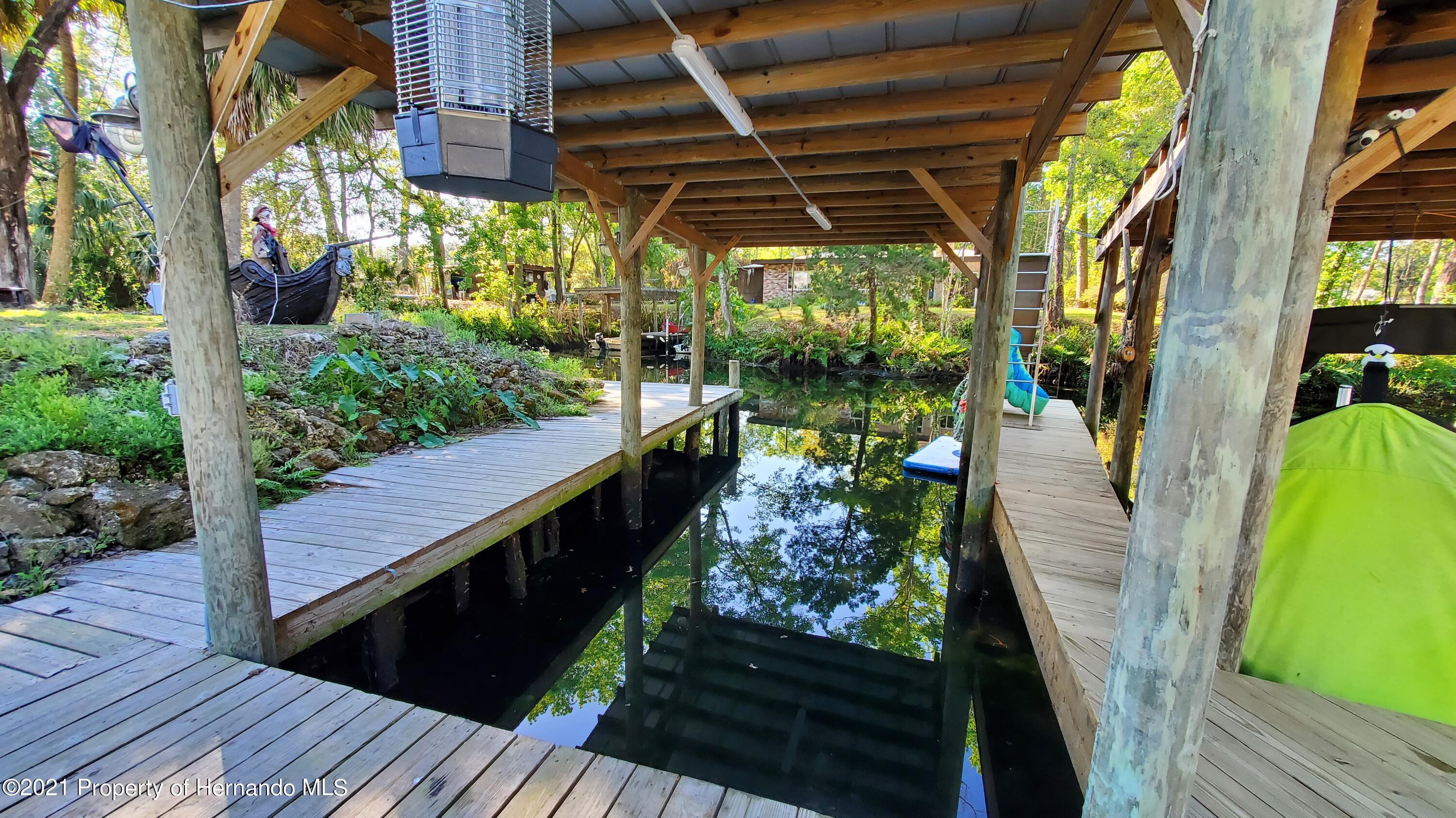 Listing photo id 18 for 10046 S Riviera Point
