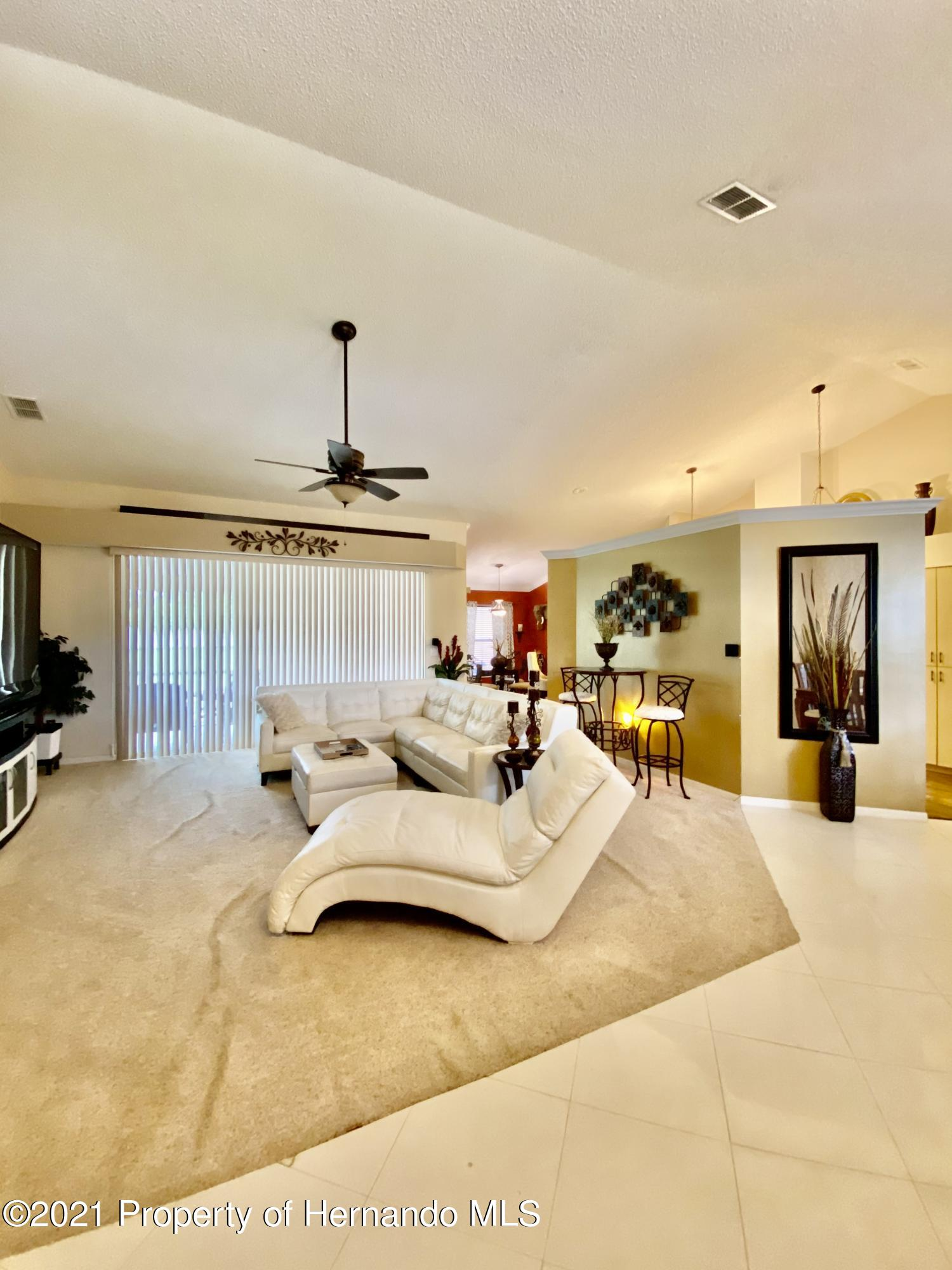 Listing photo id 3 for 3234 Morven Drive