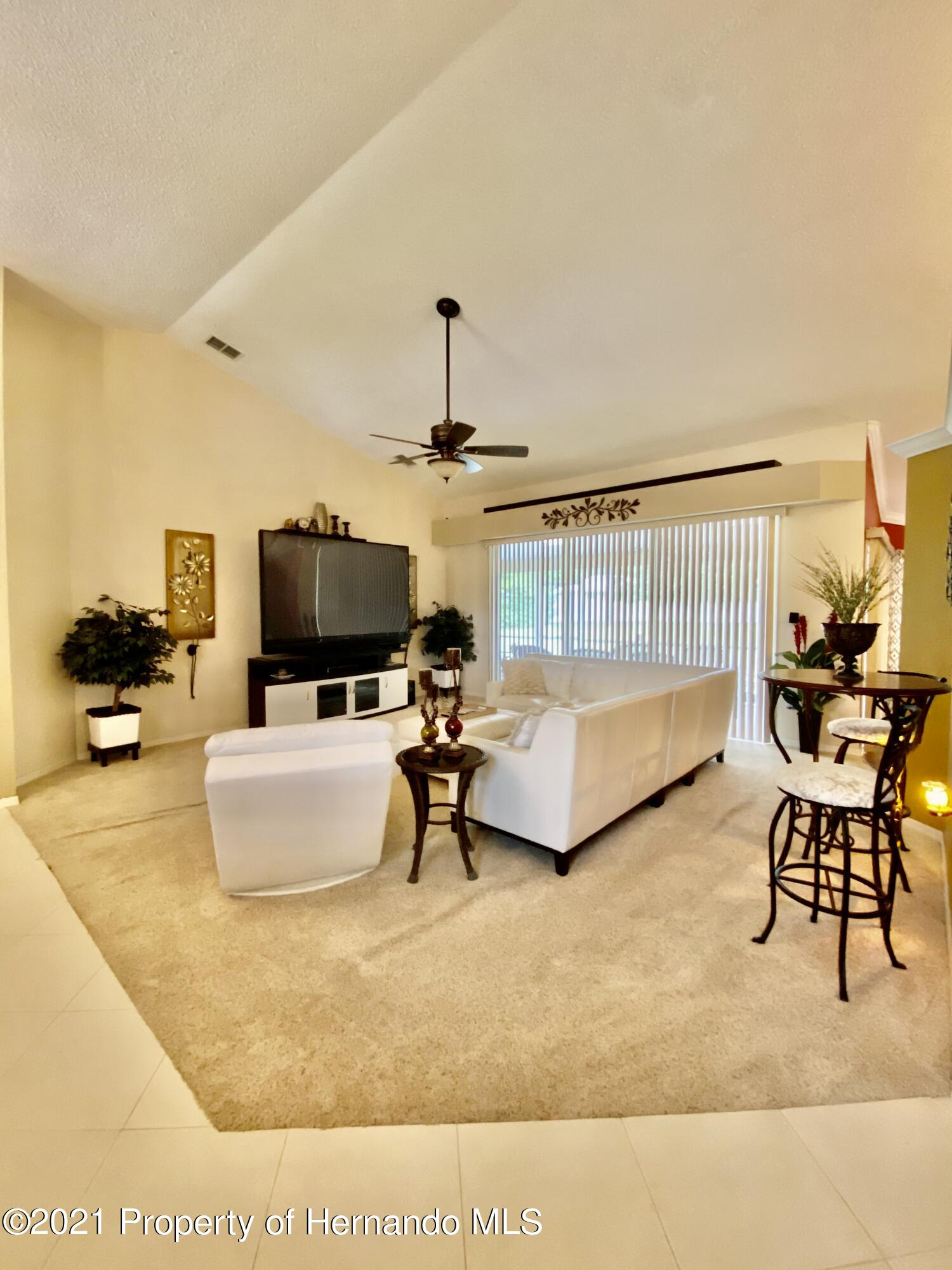 Listing photo id 4 for 3234 Morven Drive