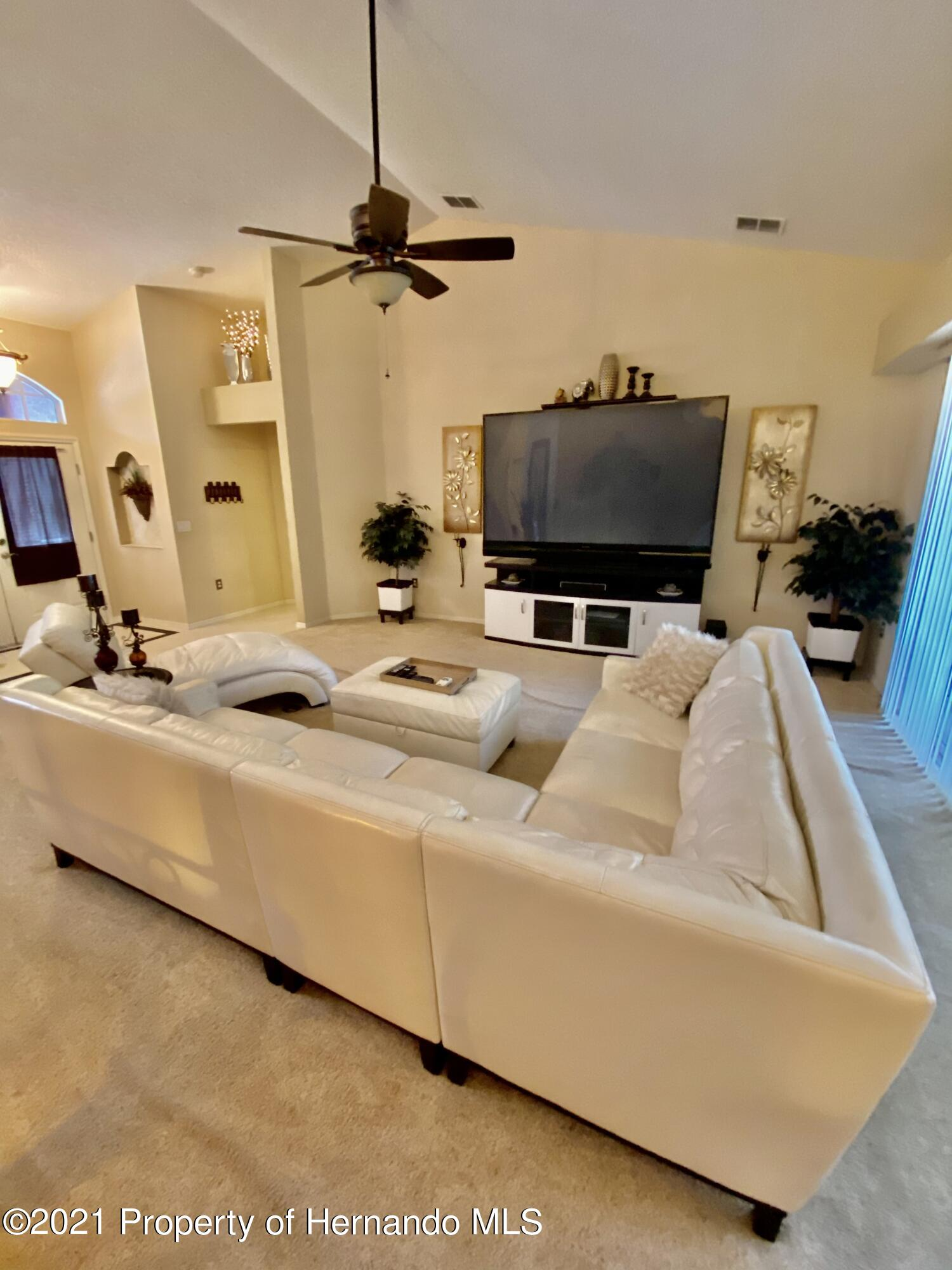 Listing photo id 5 for 3234 Morven Drive