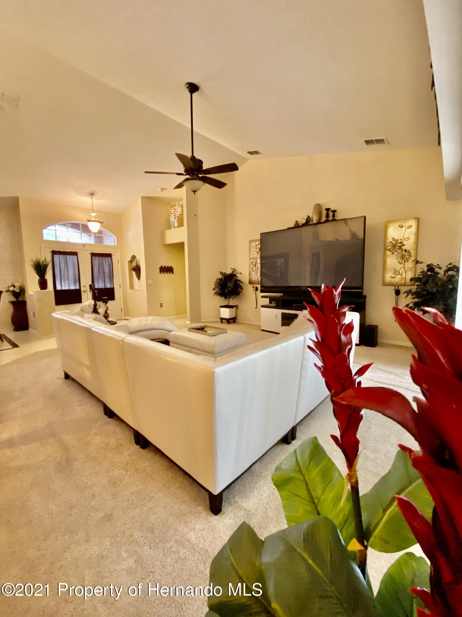 Listing photo id 6 for 3234 Morven Drive