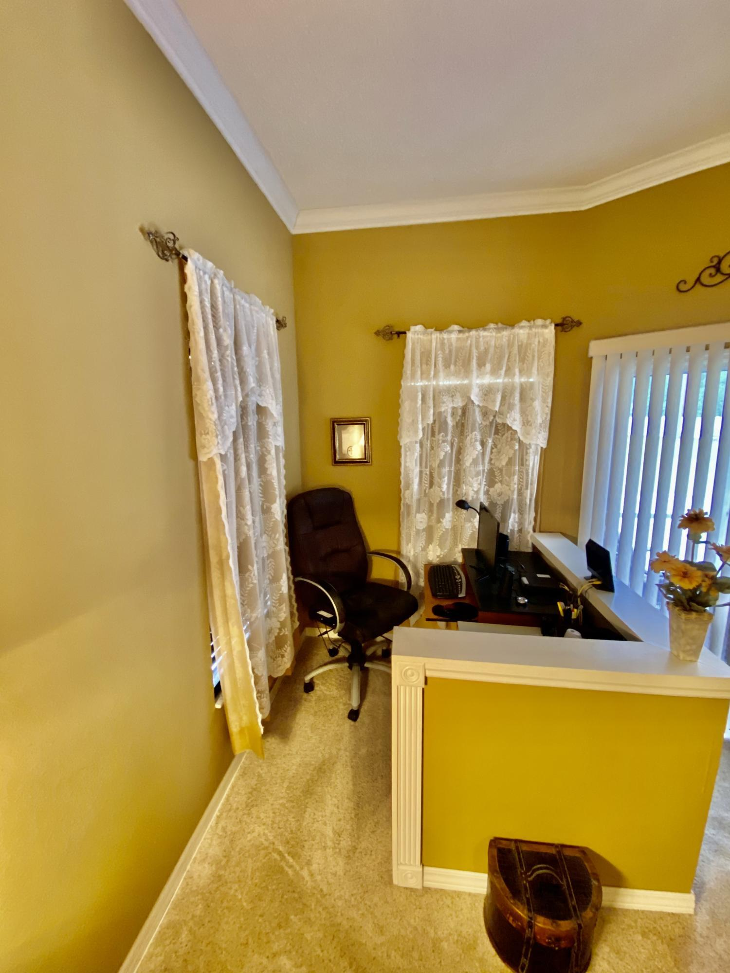 Listing photo id 11 for 3234 Morven Drive