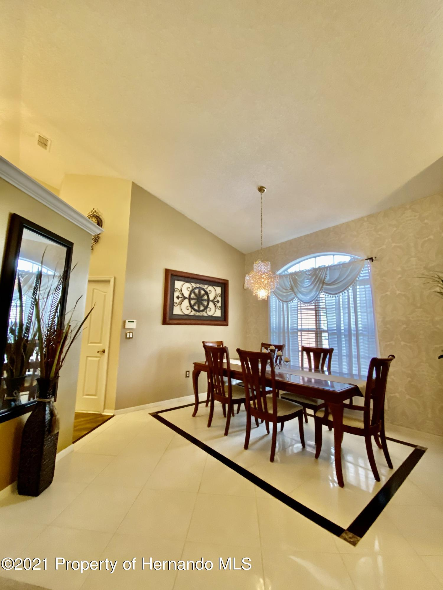 Listing photo id 17 for 3234 Morven Drive