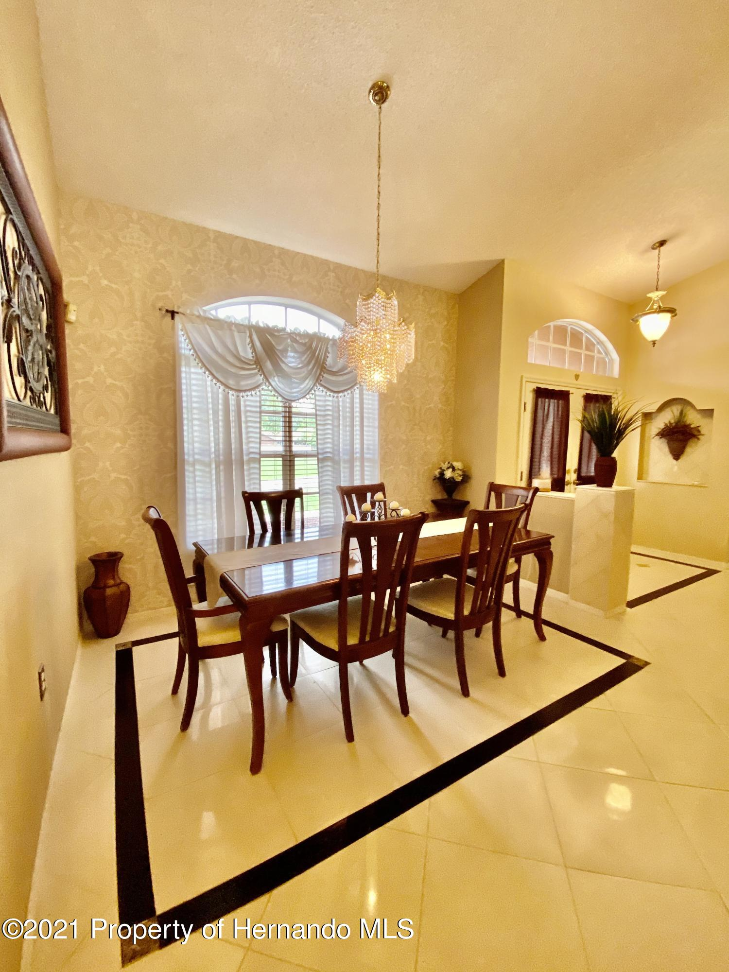 Listing photo id 18 for 3234 Morven Drive