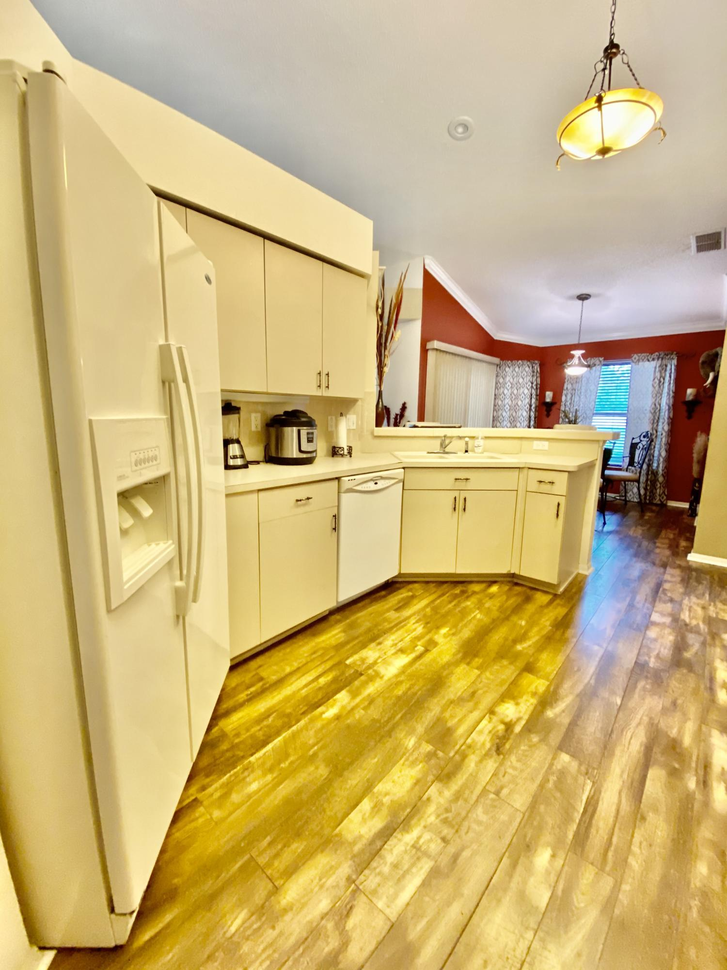 Listing photo id 19 for 3234 Morven Drive