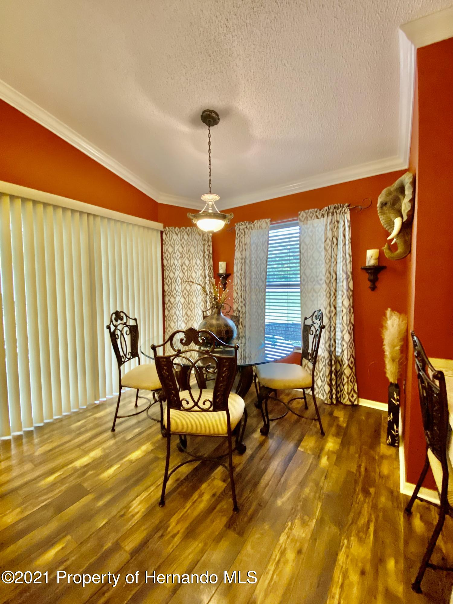 Listing photo id 22 for 3234 Morven Drive