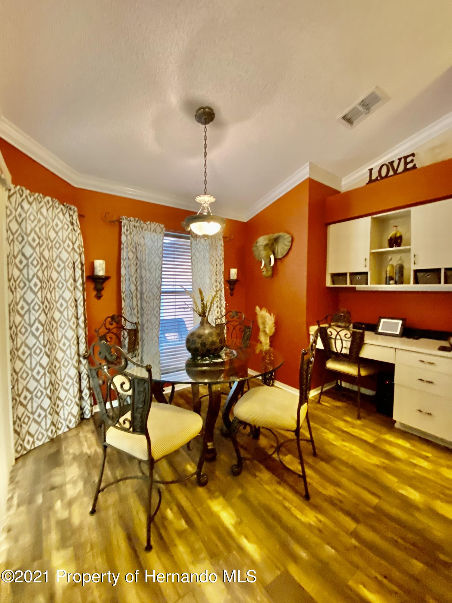 Listing photo id 23 for 3234 Morven Drive