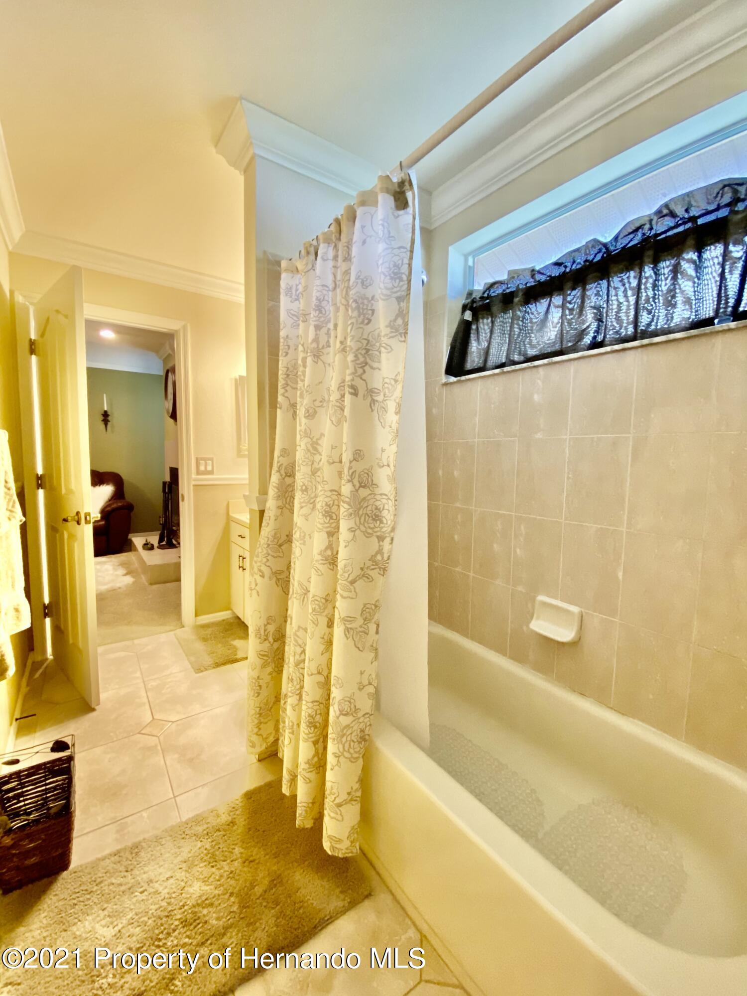 Listing photo id 27 for 3234 Morven Drive