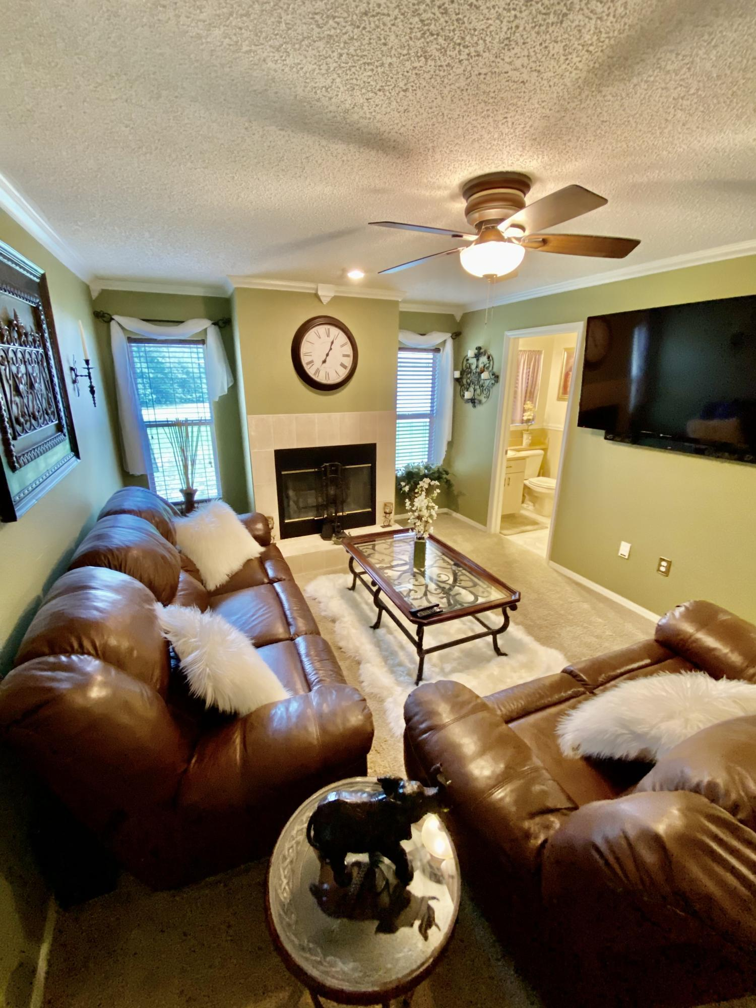 Listing photo id 32 for 3234 Morven Drive