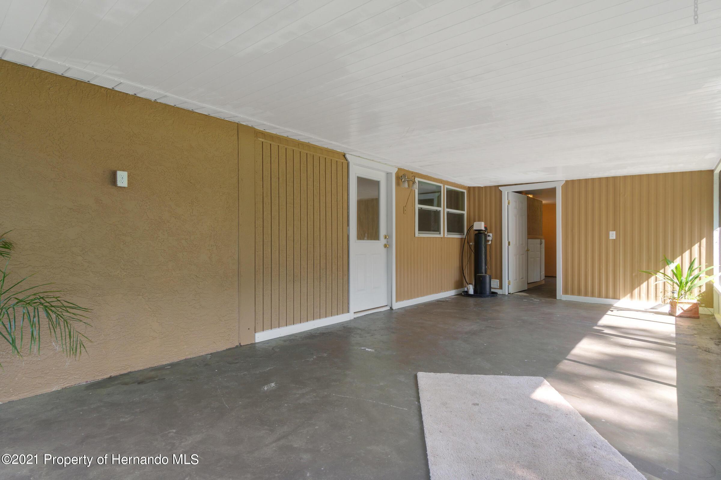 Image 34 For 573 S Little John Avenue