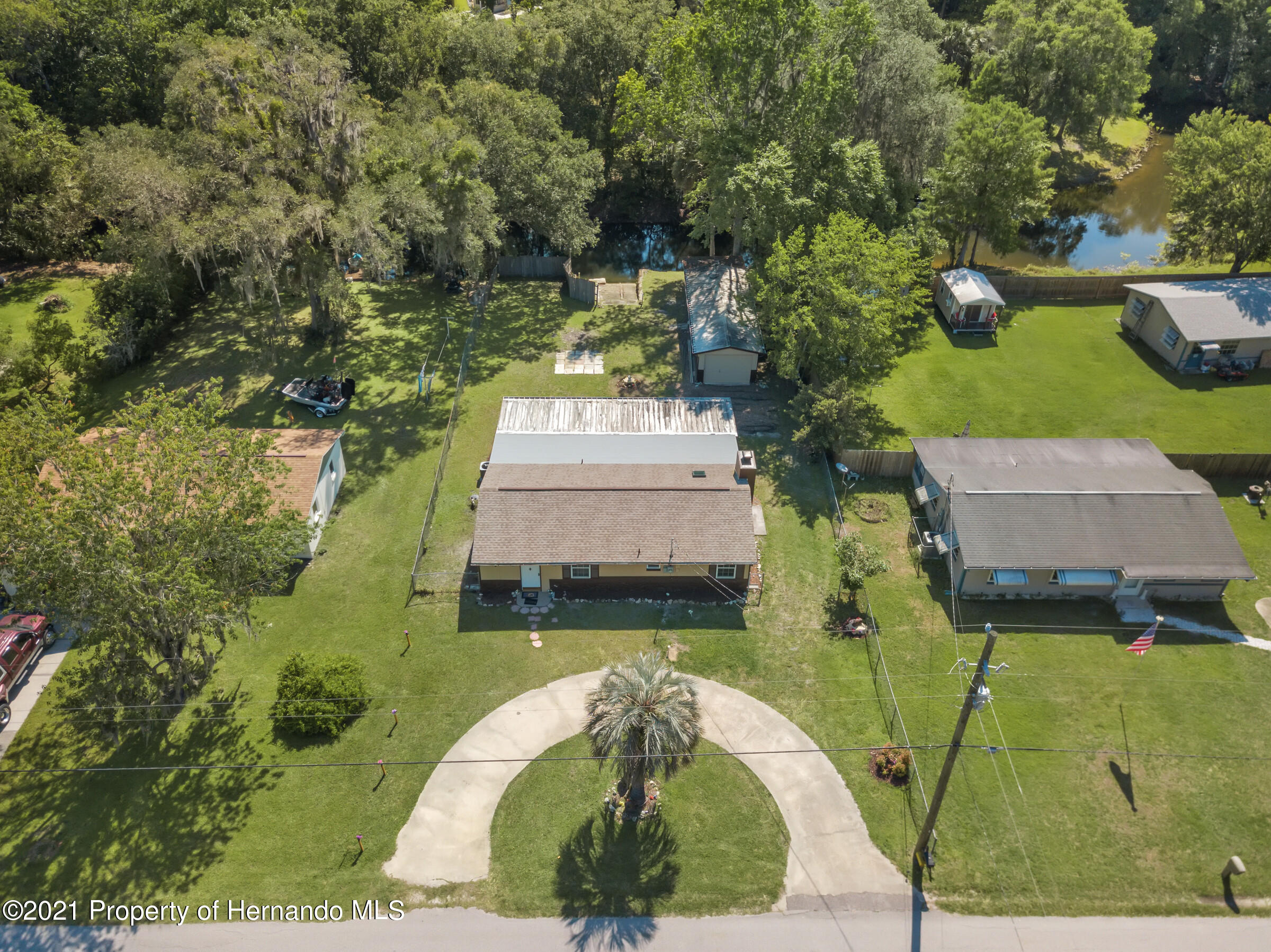 Listing photo id 2 for 573 S Little John Avenue