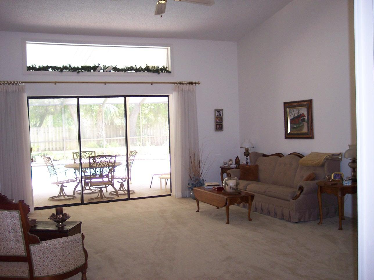 Listing photo id 3 for 4282 River Birch Drive