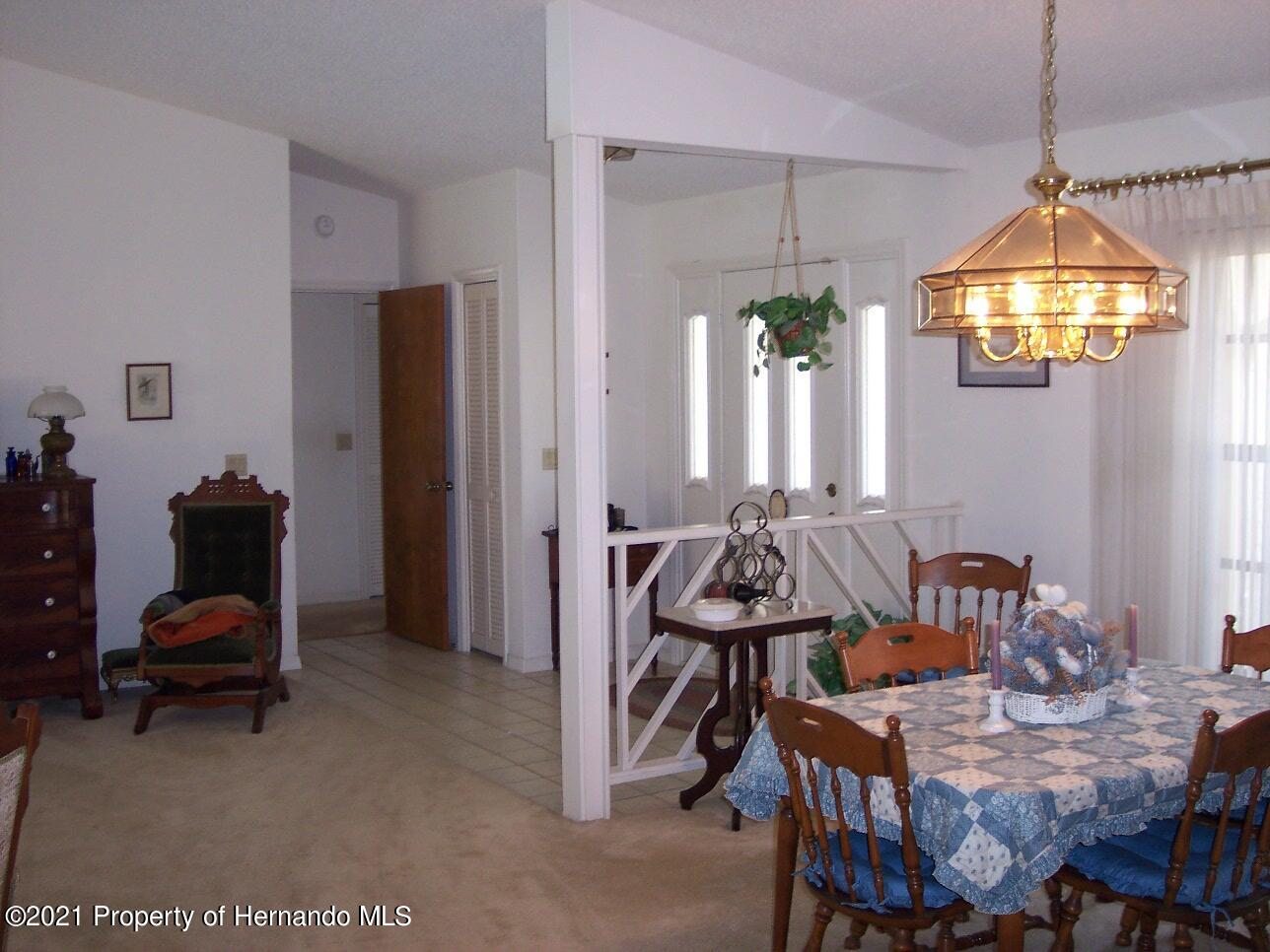 Listing photo id 4 for 4282 River Birch Drive