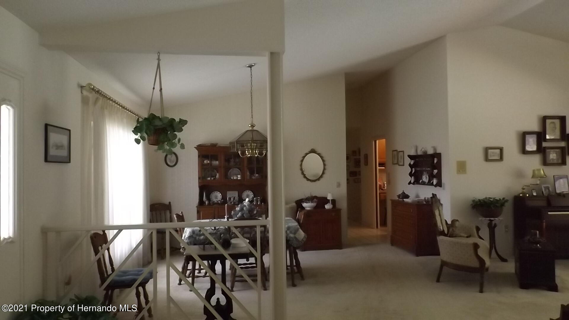 Listing photo id 5 for 4282 River Birch Drive
