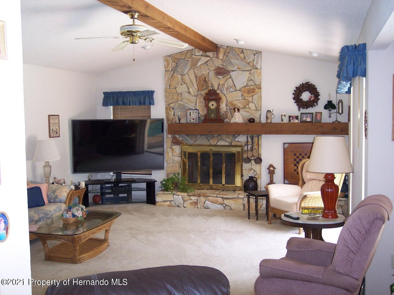 Listing photo id 8 for 4282 River Birch Drive