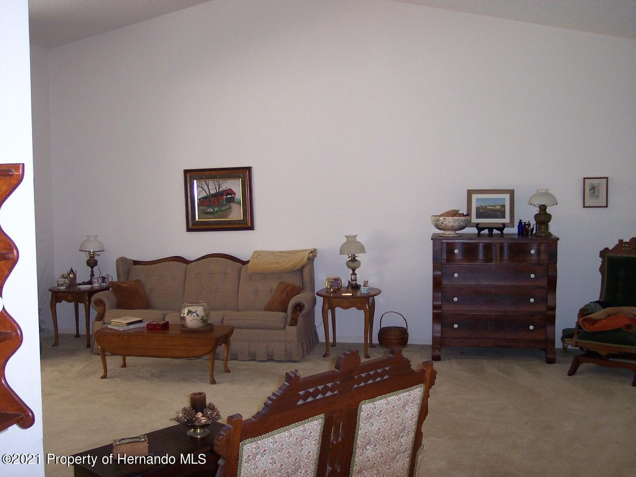 Listing photo id 6 for 4282 River Birch Drive