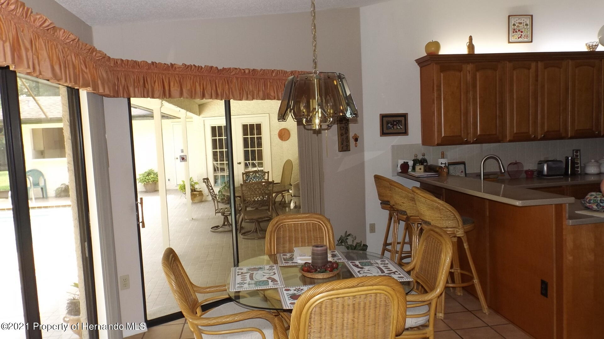 Listing photo id 11 for 4282 River Birch Drive