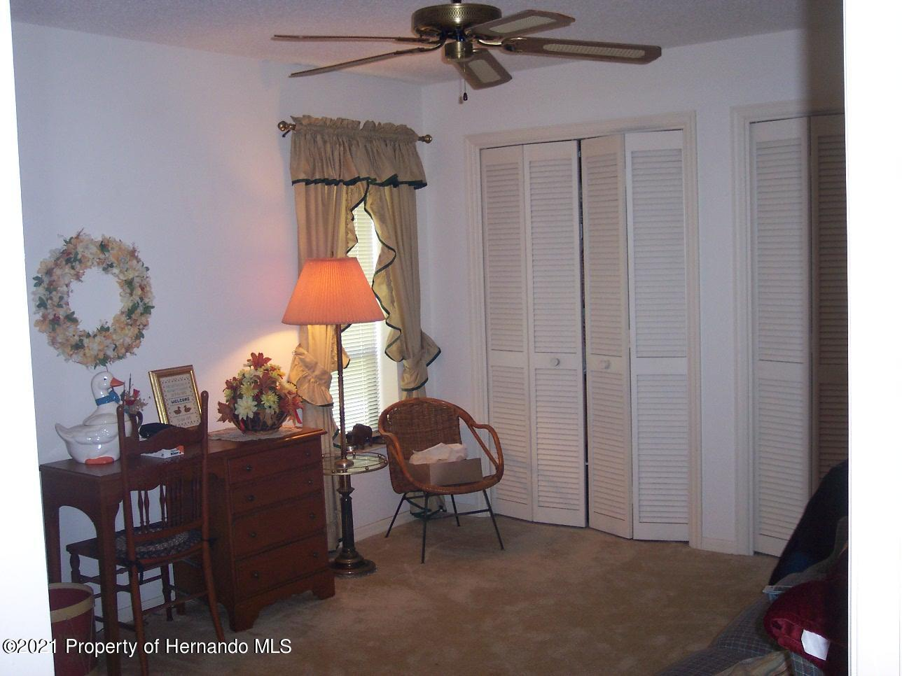 Listing photo id 18 for 4282 River Birch Drive
