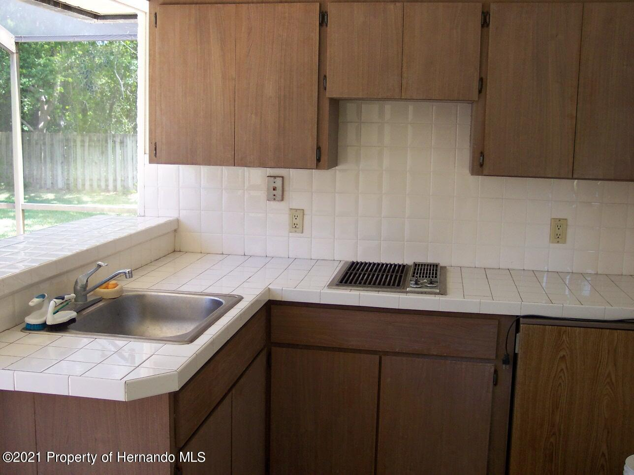 Listing photo id 21 for 4282 River Birch Drive