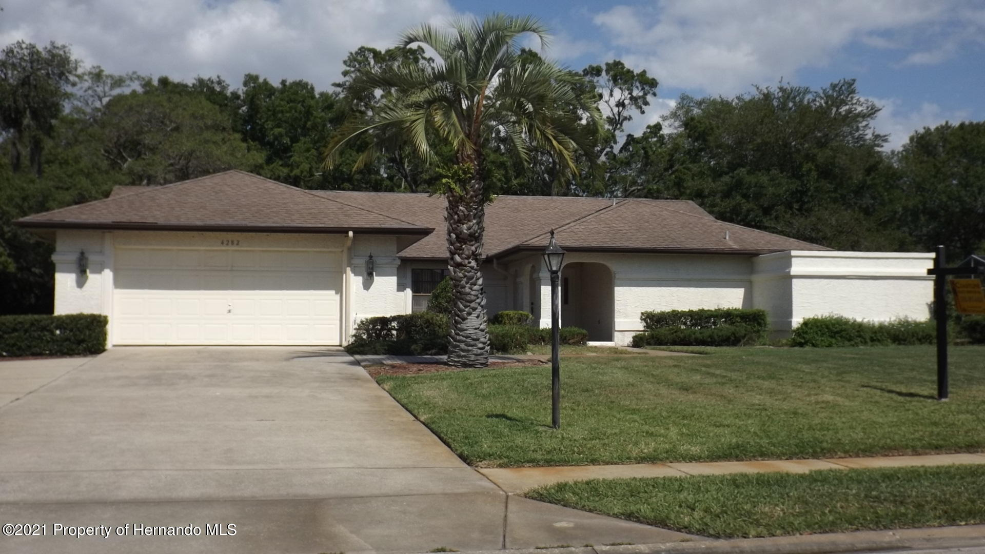 Listing photo id 31 for 4282 River Birch Drive