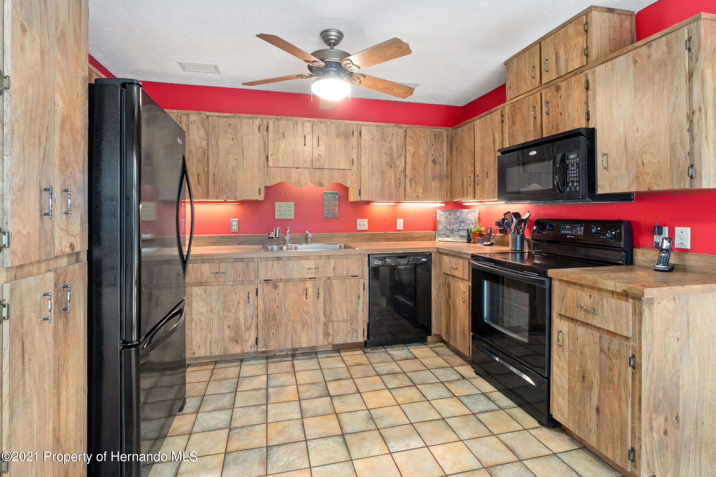 Listing photo id 21 for 11 Byrsonima Court