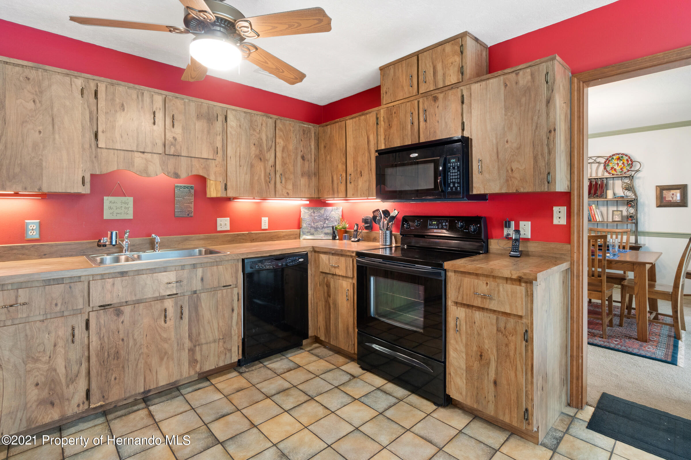 Listing photo id 22 for 11 Byrsonima Court