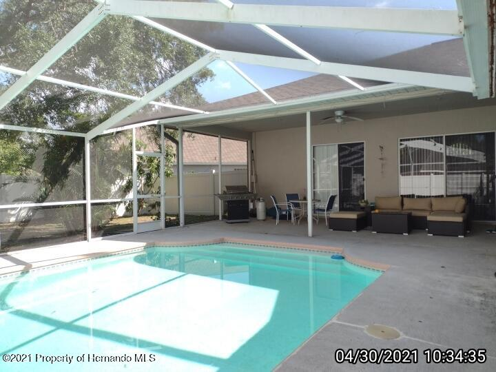 Image 32 For 18002 Palm Breeze Drive